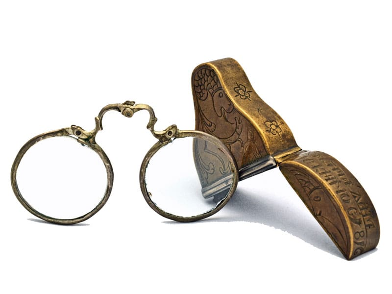 Folding bow spectacles
